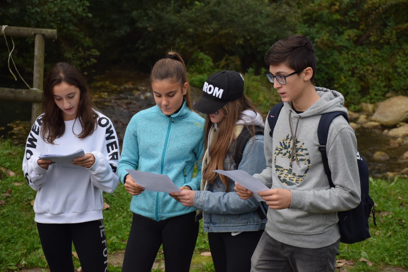 "studenti leggono ""Il gorgo"""